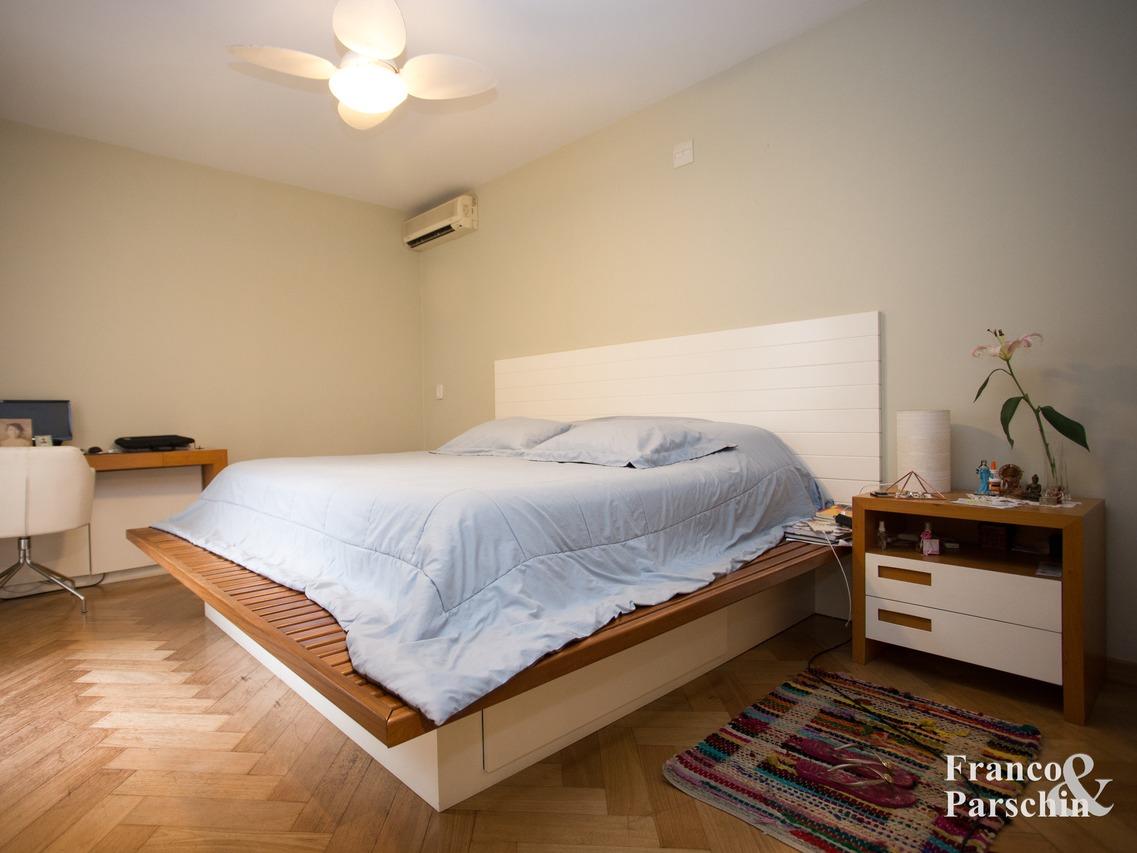 Casa de Condomínio em Chácara Monte Alegre